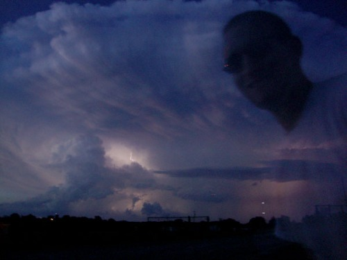 Fig. A: Storm cell reflected, courtesy of @oswegochasers.