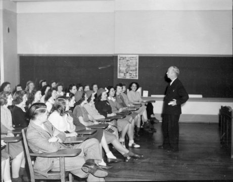 Jimmy Moreland teaching freshman English, 1949. Courtesy of SUNY Oswego's Penfield Library Special Collections