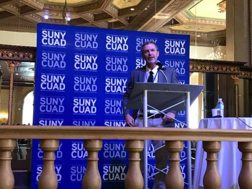 Sean Kirst speaks at SUNYCUAD conference